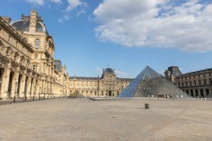 Cour Napoléon, Louvre, Paris - 14 mai